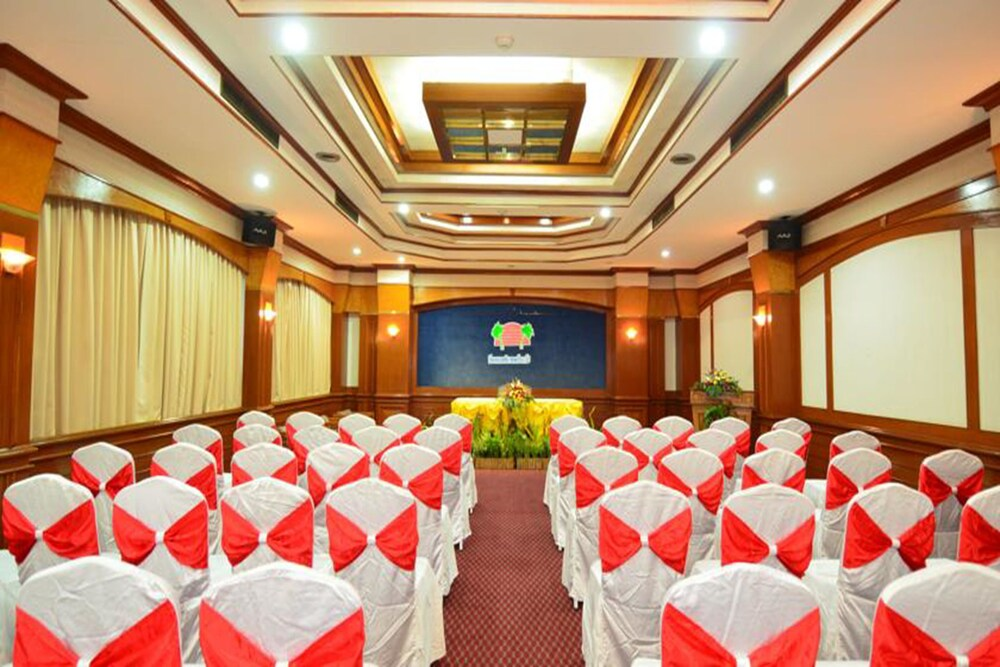 Gallery image of Welcome Jomtien Beach Hotel