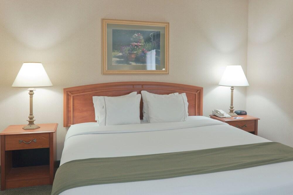 Gallery image of Holiday Inn Express Greensburg