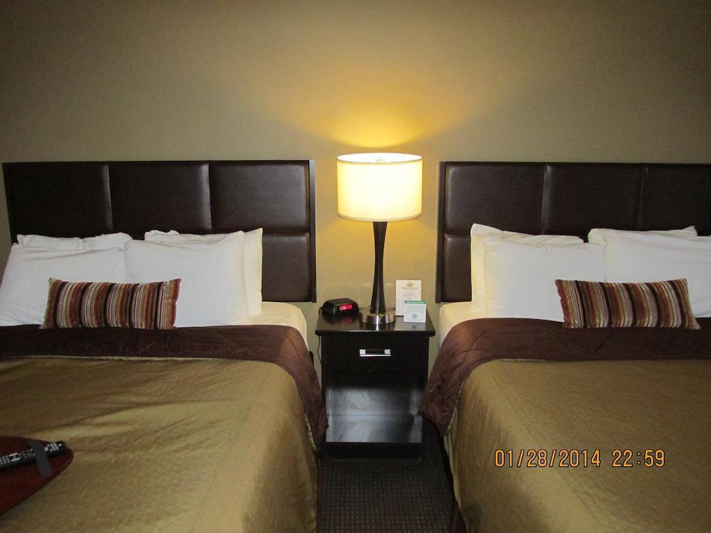 Gallery image of Parkwood Inn & Suites