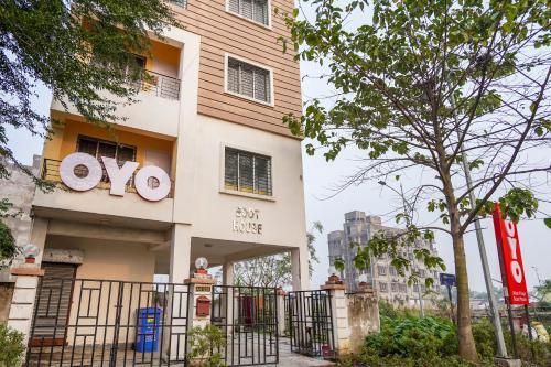 OYO 63847 Urban Village Guest House