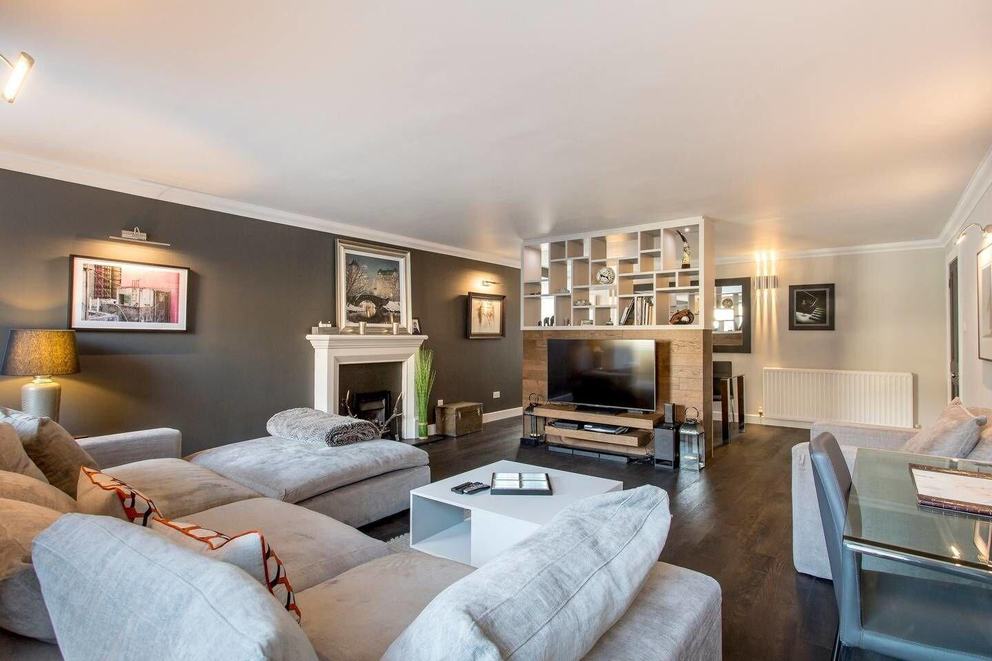Luxury West End Apt. w Private Patio & Parking