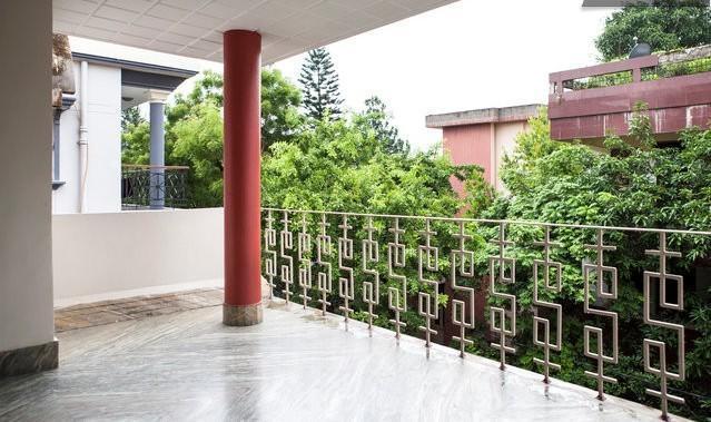Centrally Located 1BR Home in Kolkata