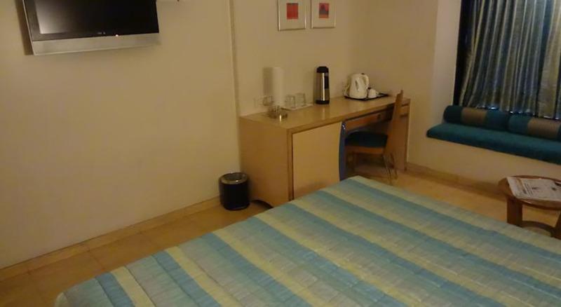 Hotel Suncity Residency