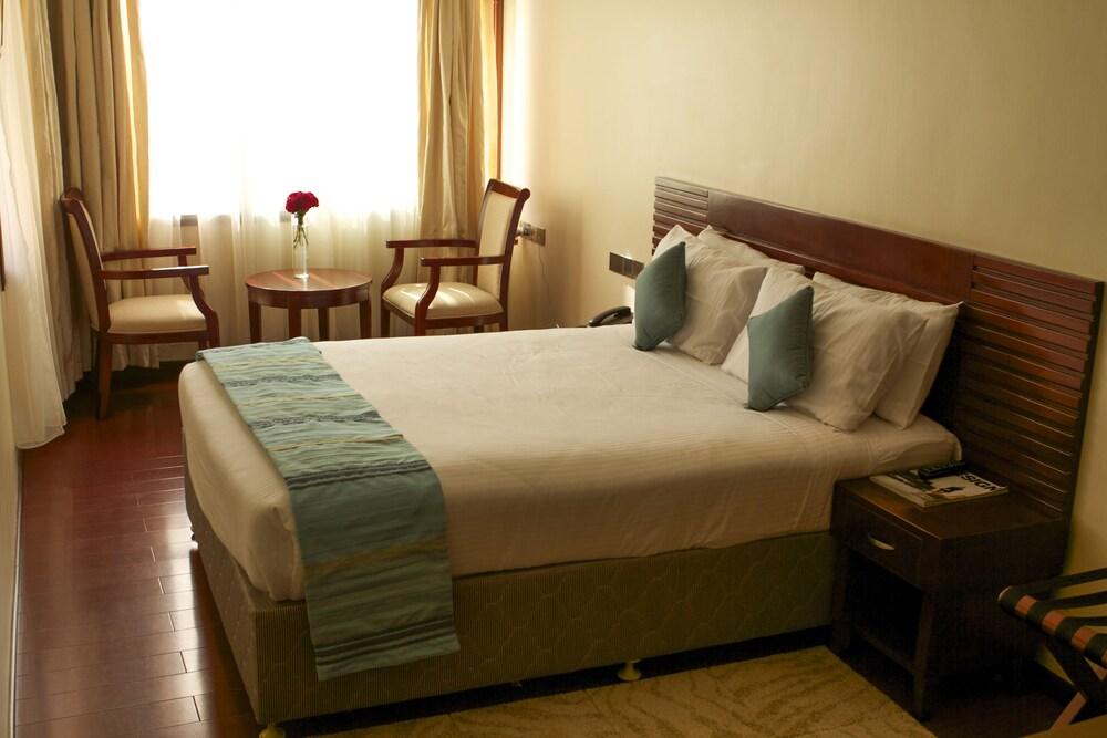 OSinkirri Hotel