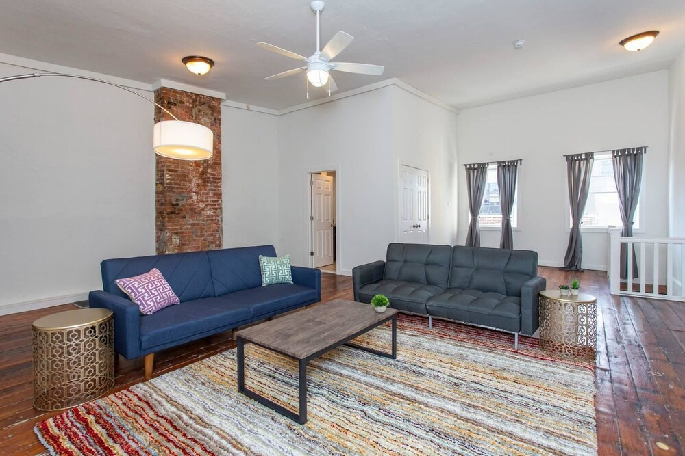 Expansive Loft Located in the Heart of Old City
