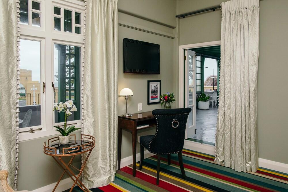 Gallery image of Art Deco Masonic Hotel