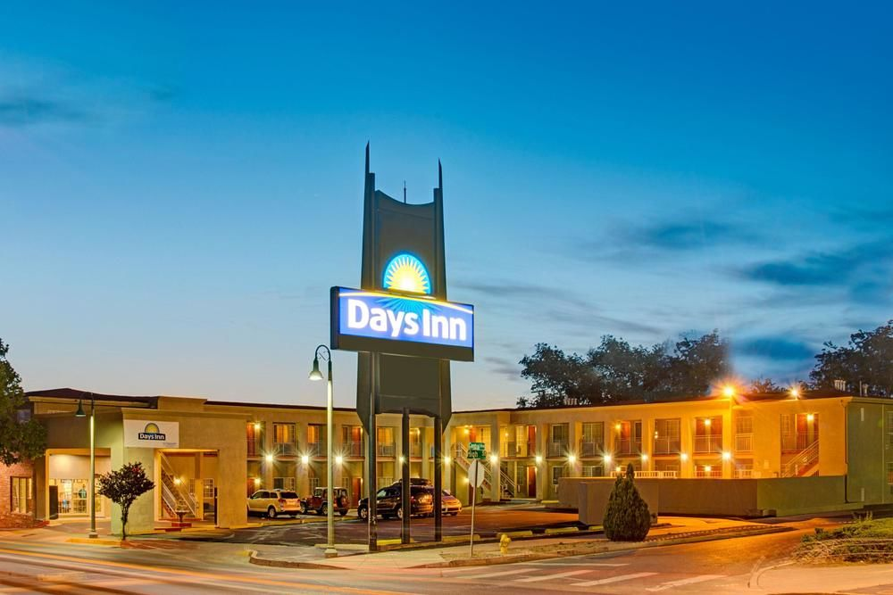Days Inn by Wyndham Albuquerque Downtown