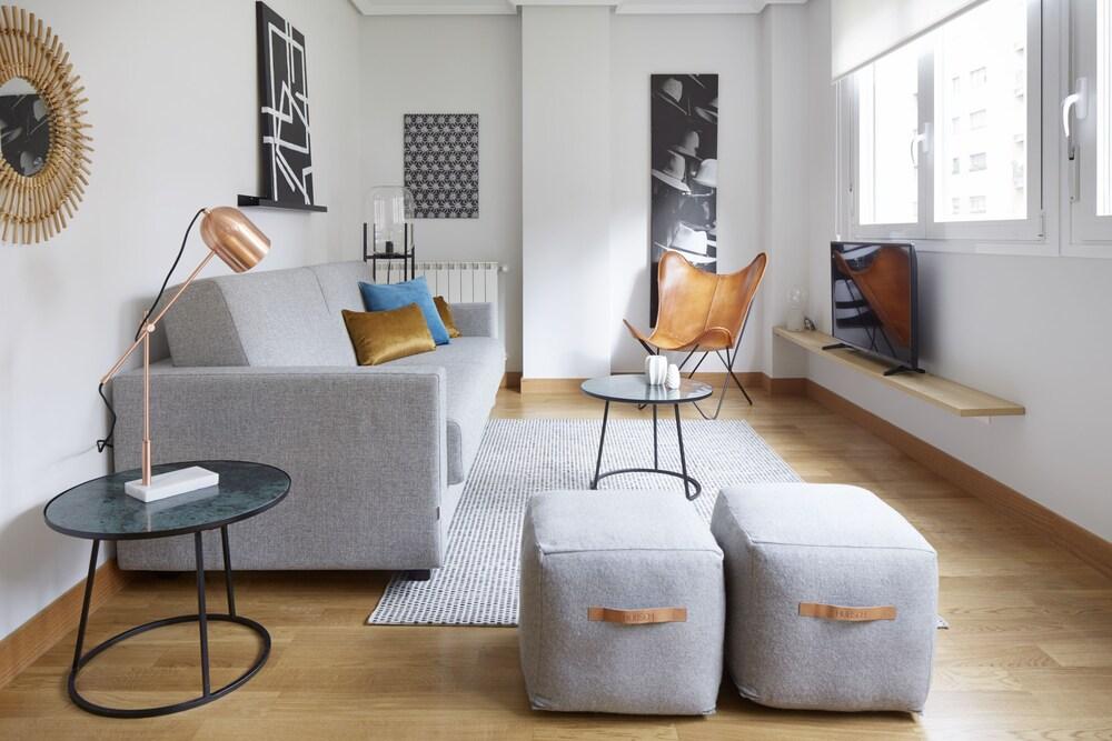Mundaiz Apartment by FeelFree Rentals