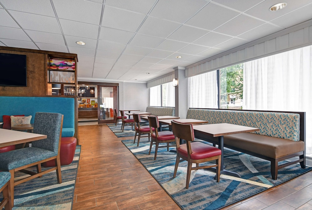 Gallery image of Hampton Inn Charleston Mount Pleasant Patriots Point