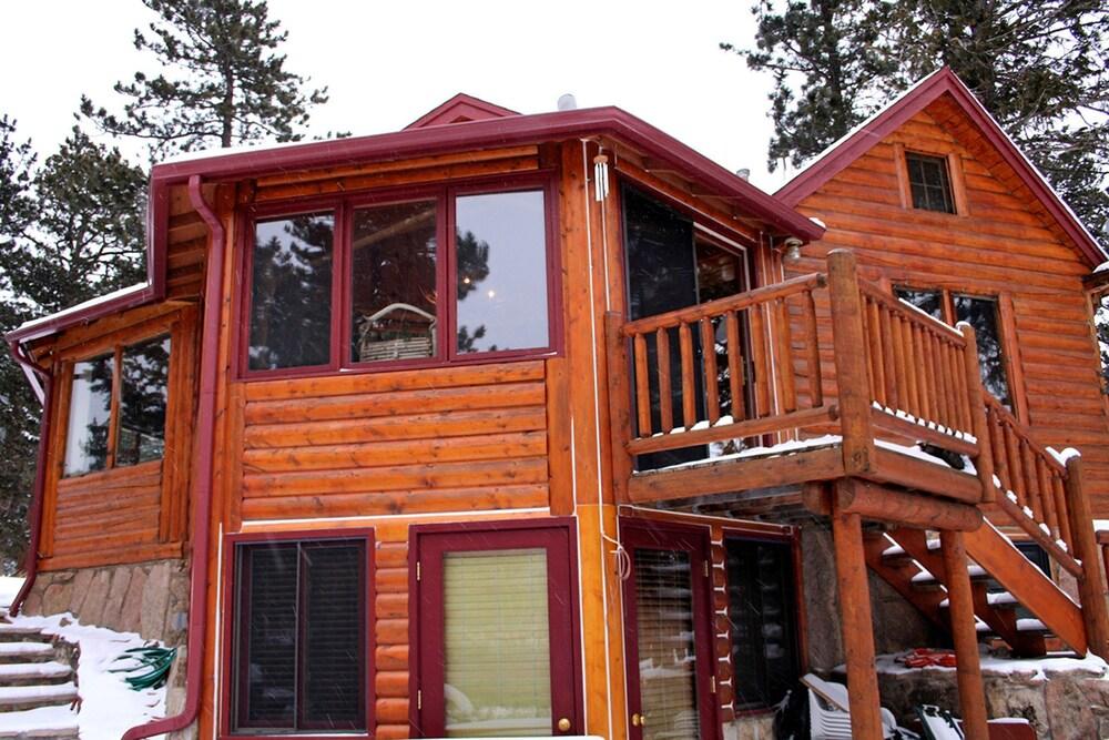 Mountain Masterpiece by Rocky Mountain Resorts