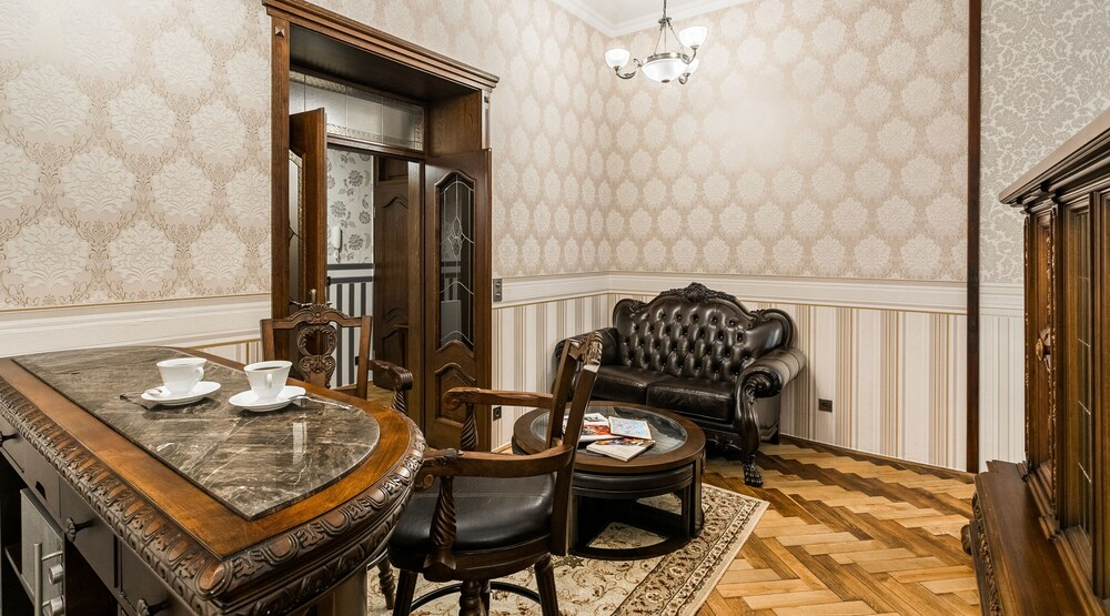 Exclusive Royal Apartments