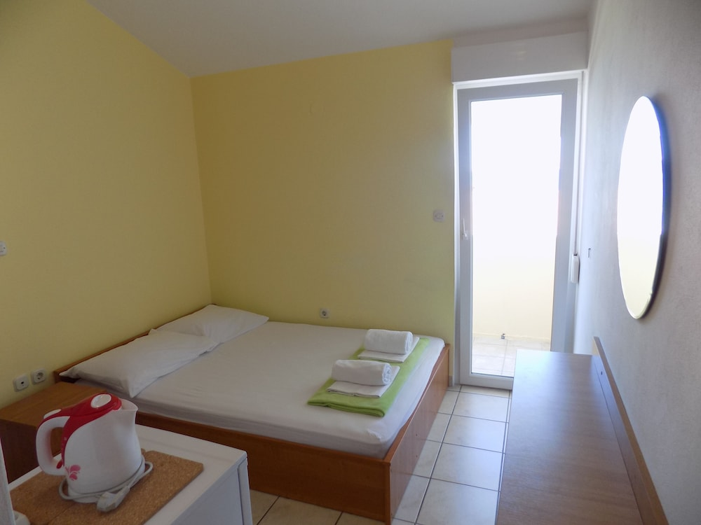 Gallery image of Rooms and apartments Galeb