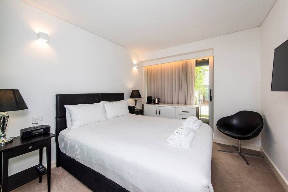 The Nest Homely Escape in Northbridge And Large Roof Terrace