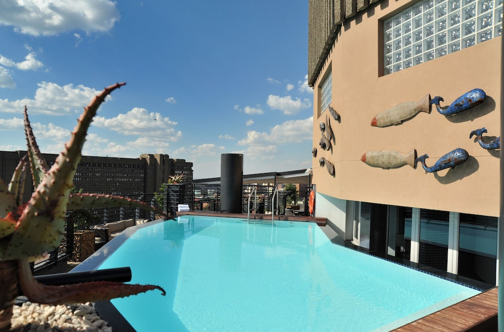 Protea Hotel by Marriott Johannesburg Parktonian All Suite