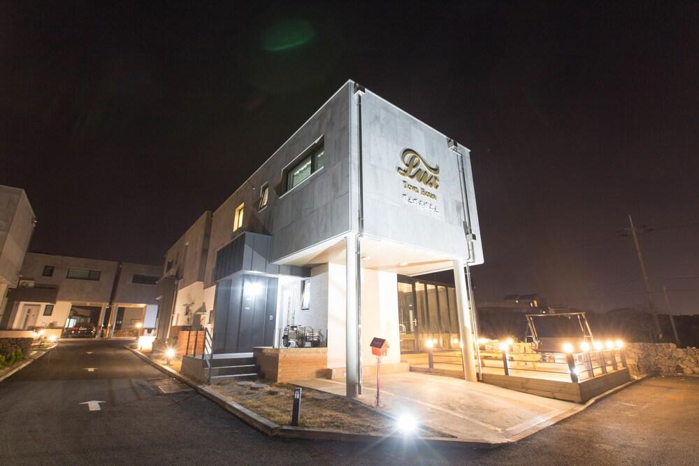 Aewol Lux House
