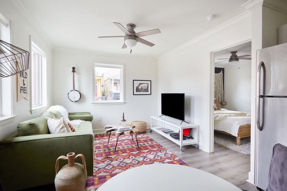 Airy Lower Garden District Suites by Sonder