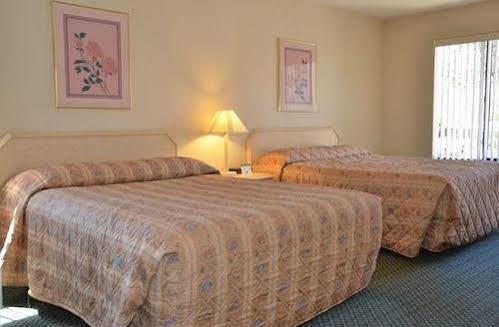 Cypress Cove Nudist Resort & Spa