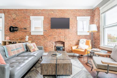 Newly Renovated Hip Casita in Downtown Denver