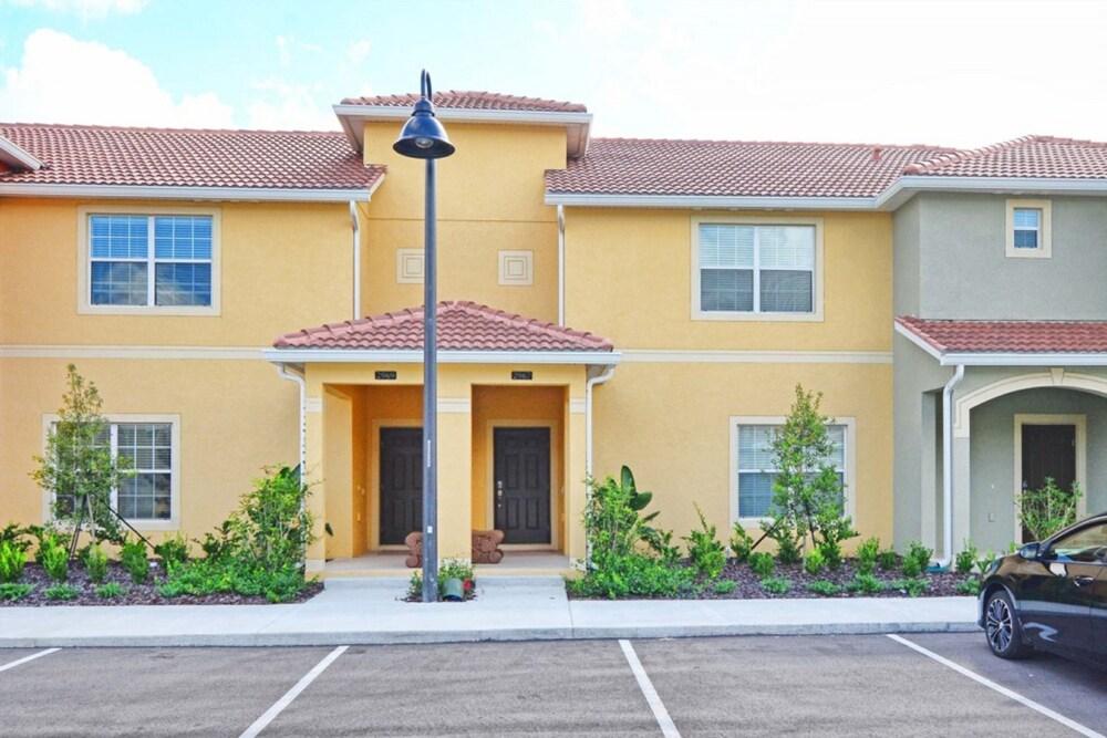 Paradise Palms Resort Orlando