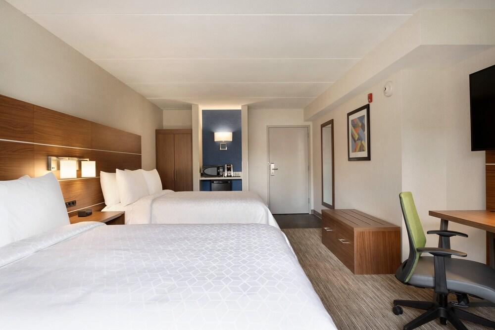 Gallery image of Holiday Inn Express Plattsburgh
