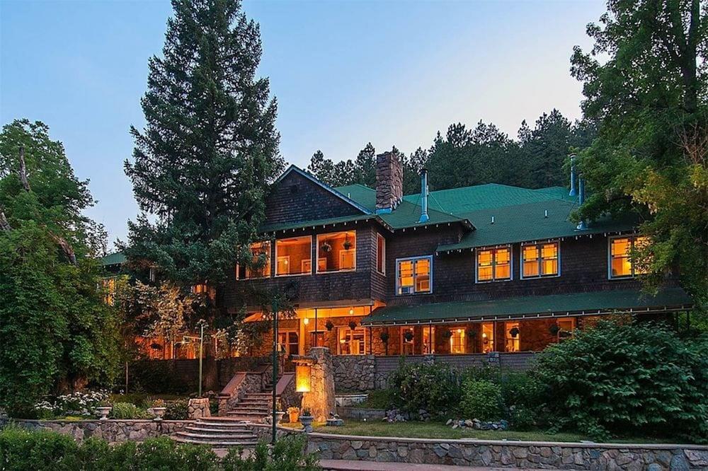 Alps Boulder Canyon Inn