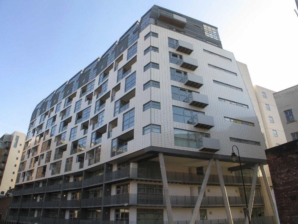Whitworth Street Apartments