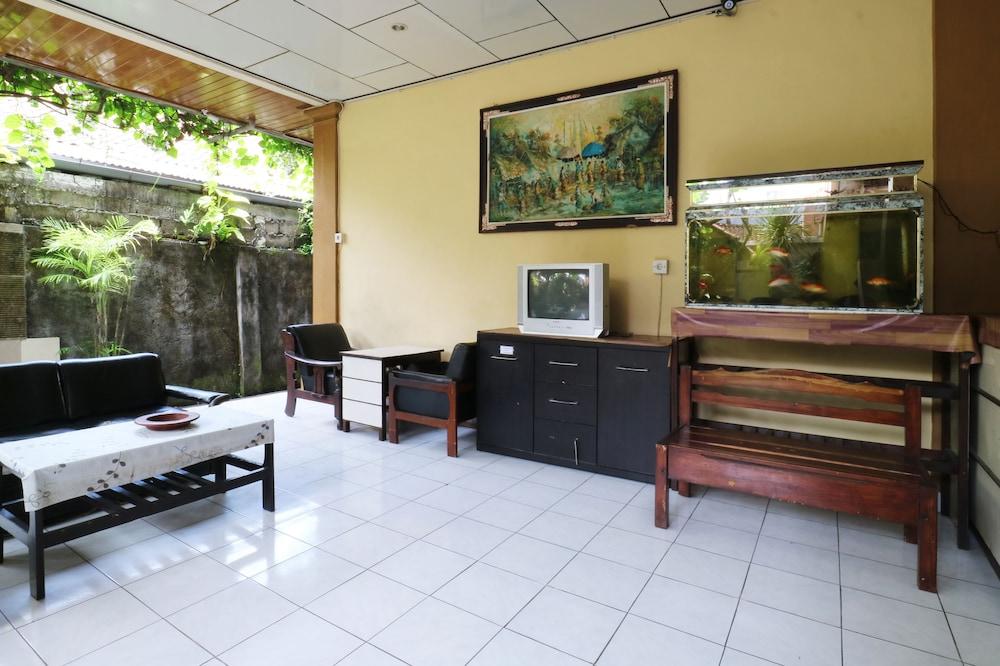 Gallery image of Mustika Inn