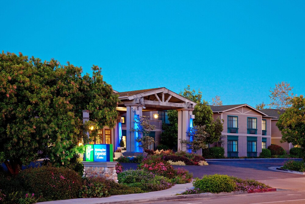 Gallery image of Holiday Inn Express Hotel & Suites Carpinteria