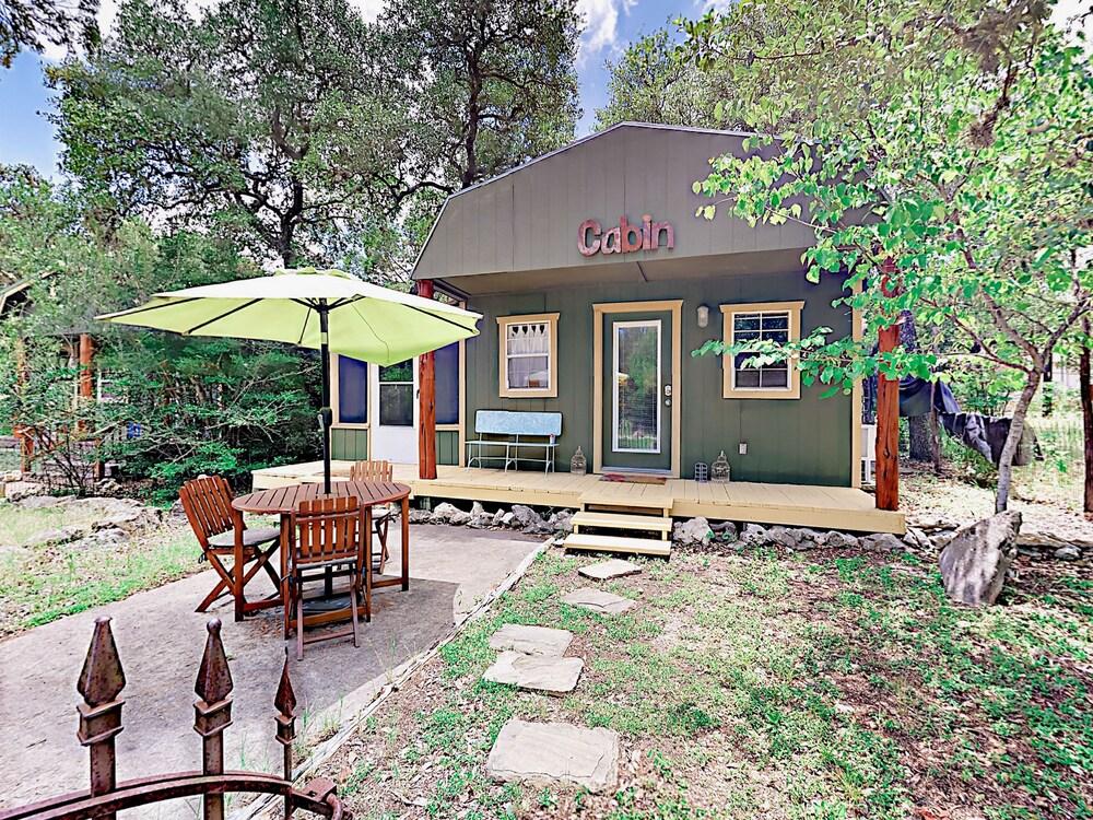 10202 Wommack Rd Cabin