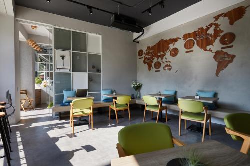 Timeline Cafe Studio