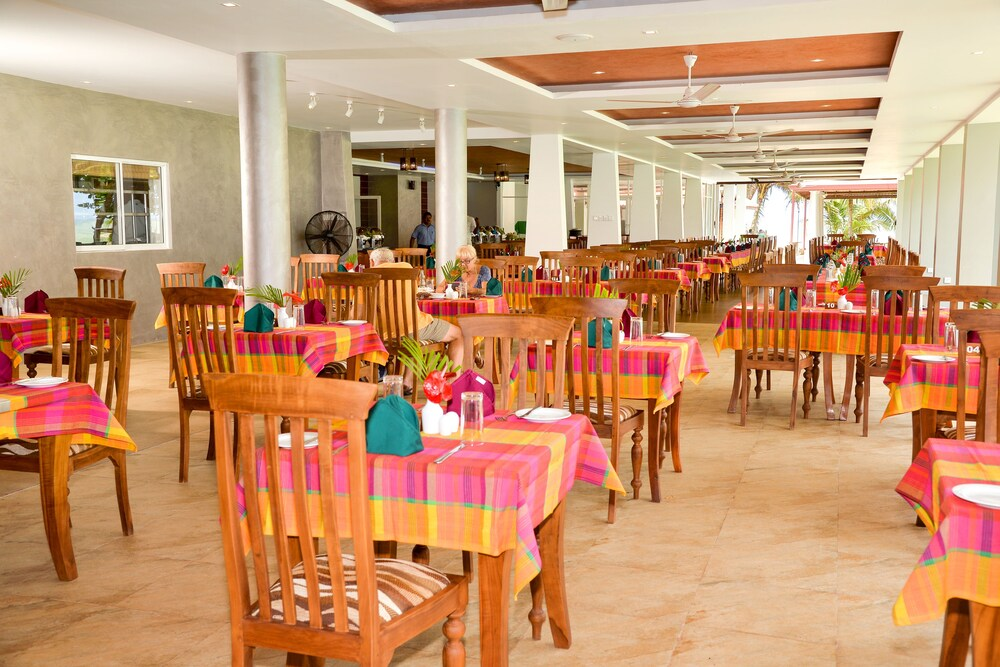 Gallery image of Paradise Beach Hotel