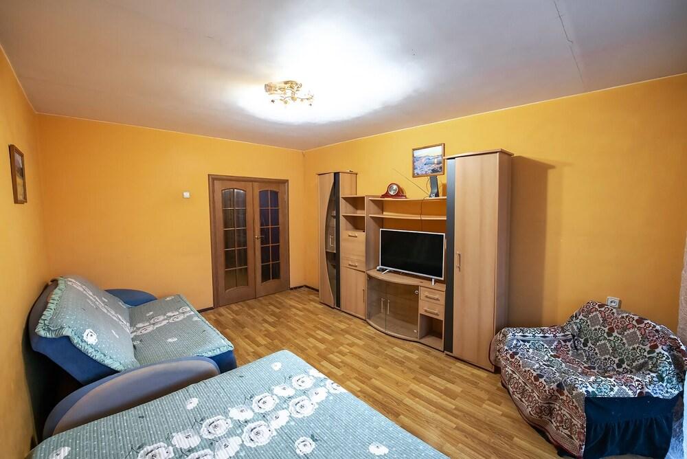 Apartment on Okeanskiy Pr. 48 29