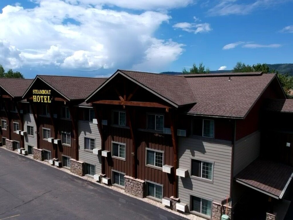 Gallery image of Steamboat Hotel