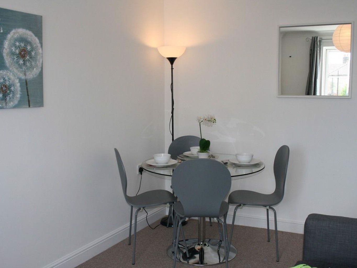Oceana Accommodation Sycamore court Southampton apartment Walking distance to hospitals parking sleeps 7