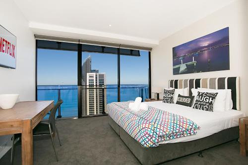 Circle 2 3 4 & 5 Bedroom SkyHomes & Sub Penthouses by Gold Coast Holidays