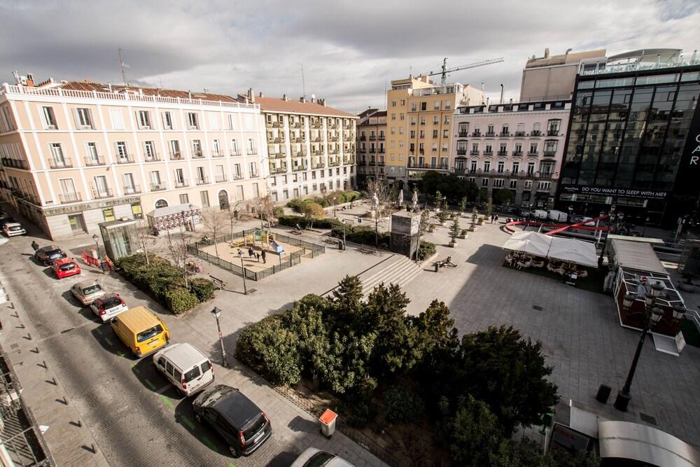 Gallery image of Hostal Vázquez de Mella