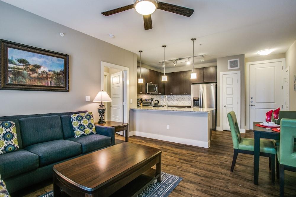 Stylish Frisco 2 bedroom apartments
