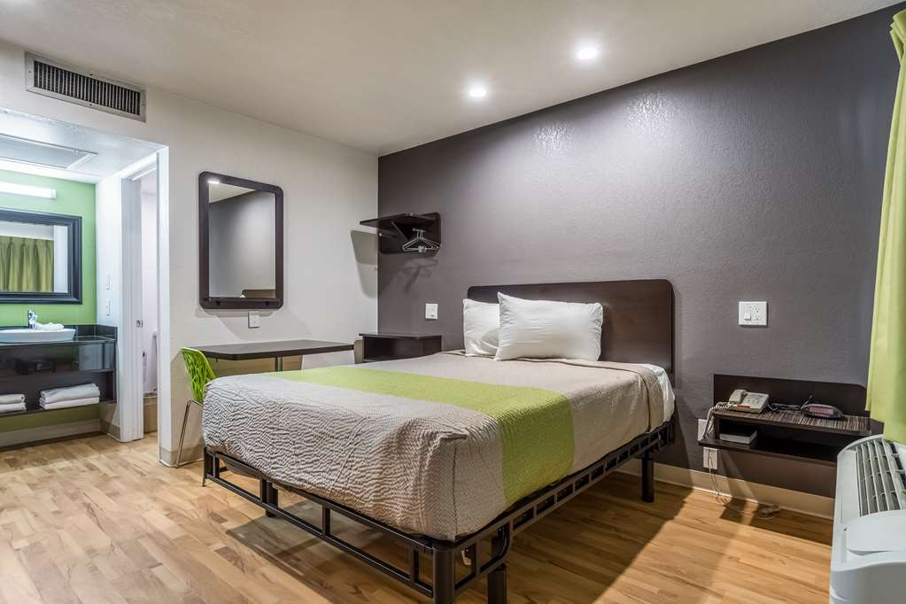 Gallery image of Studio 6 Buttonwillow
