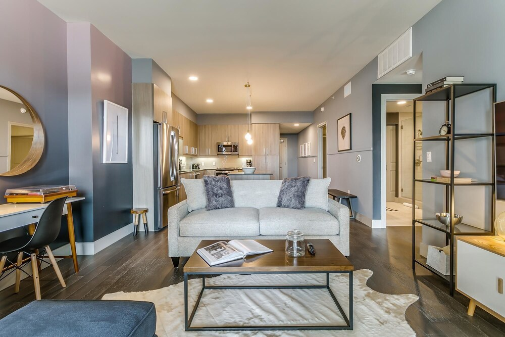 Gorgeous 2br 2ba in Uptown Dallas
