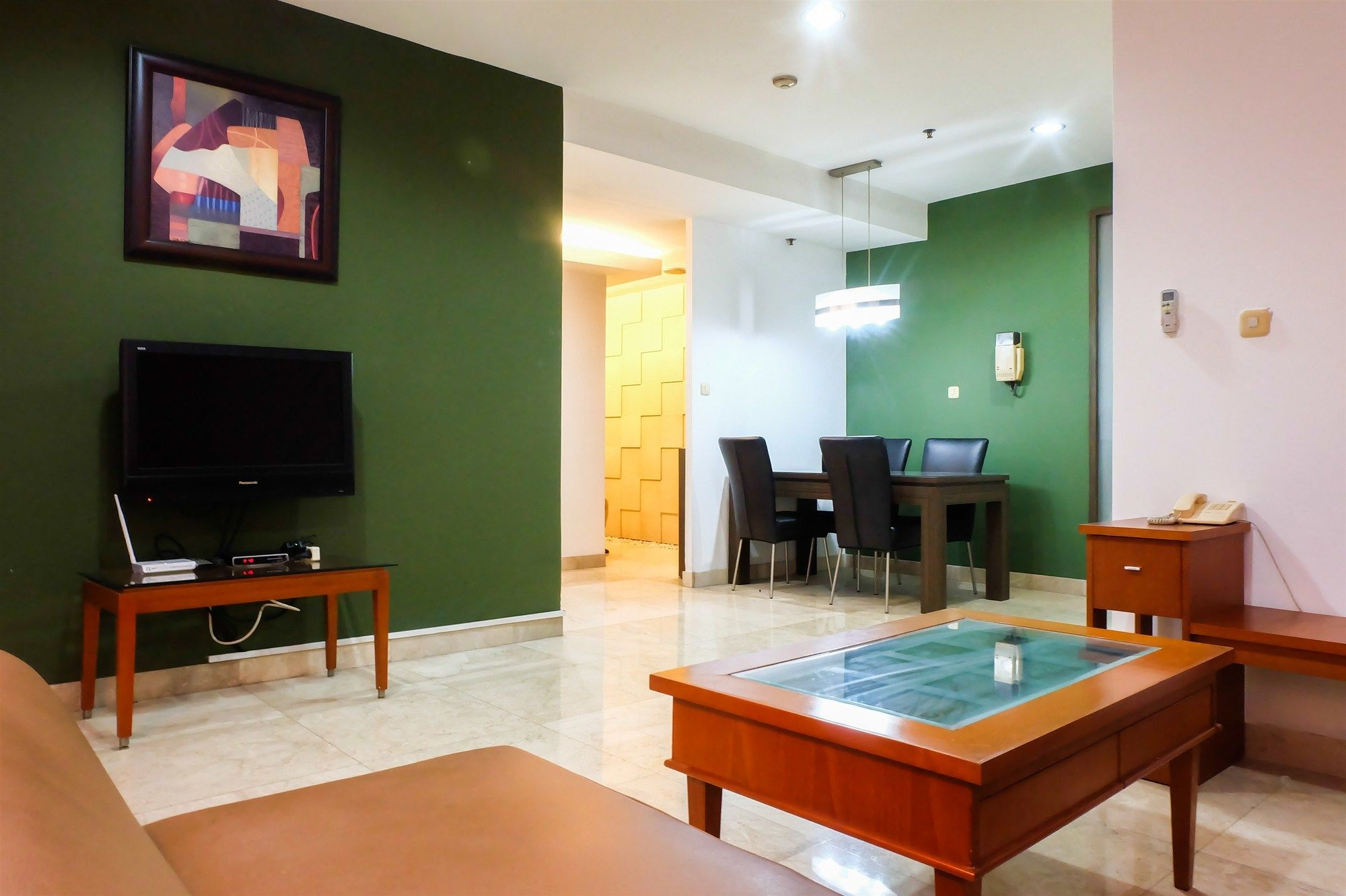 2 Bedroom Park Royale Apartment By Travelio