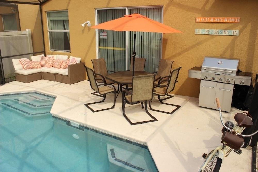 Bella Vida Resort 470 Four Bedroom Villa with Private Pool