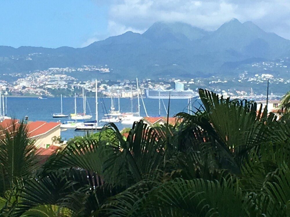 Apartment With 2 Bedrooms in Les Trois îlets With Wonderful sea View Enclosed Garden and Wifi 300 m From the Beach