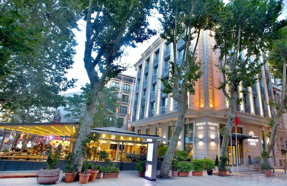 Pierre Loti Hotel Special Class