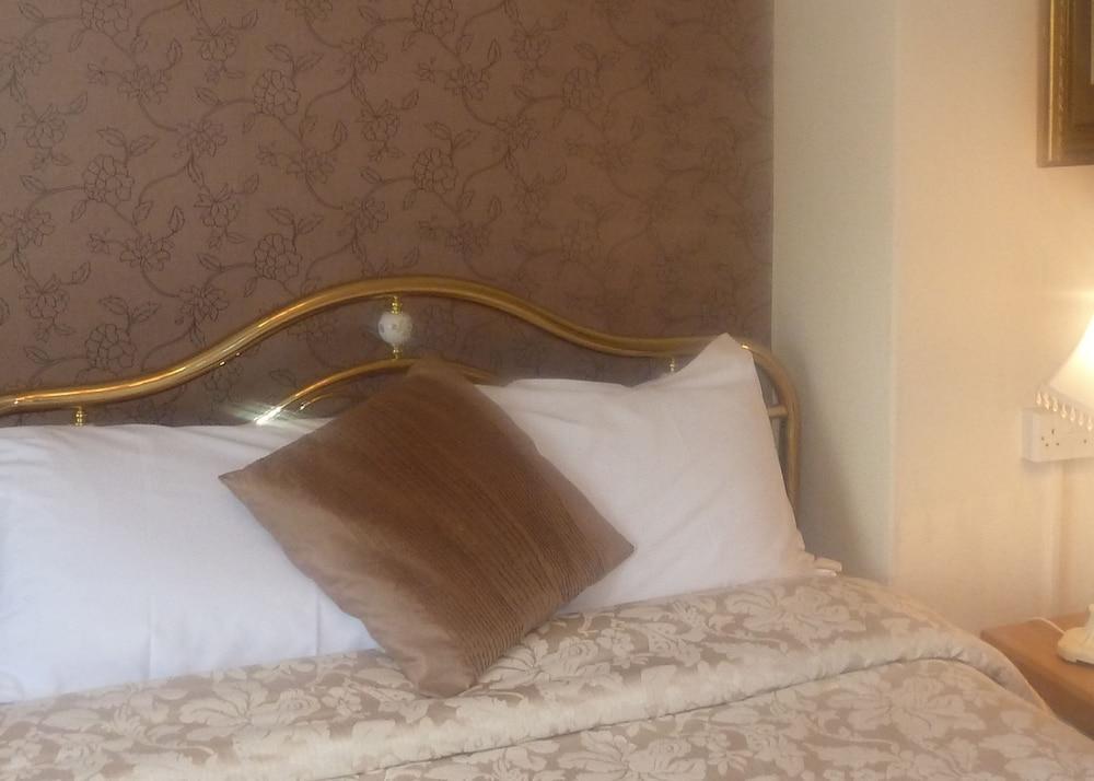 Gallery image of Georgian House Hotel