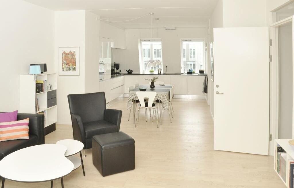 2 bedroom apartment Islands Brygge 93 1