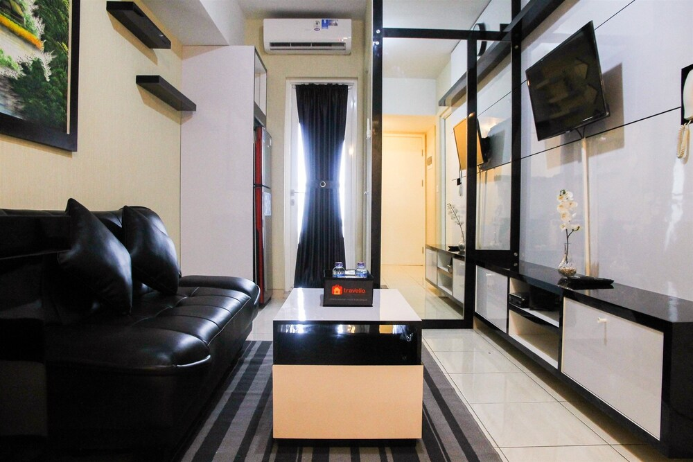 Deluxe and Modern 2BR The Springlake Summarecon Apartment