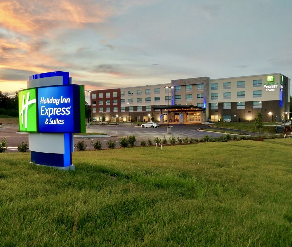 Holiday Inn Express & Suites Raleigh Airport Brier Creek
