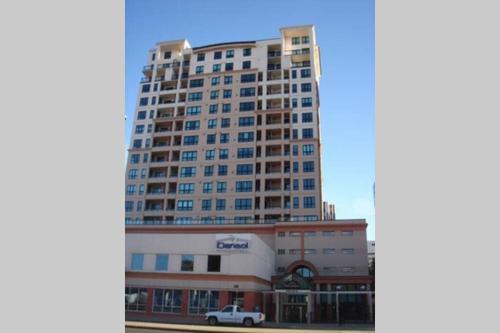 Edmonton NW 100 Ave Apartment