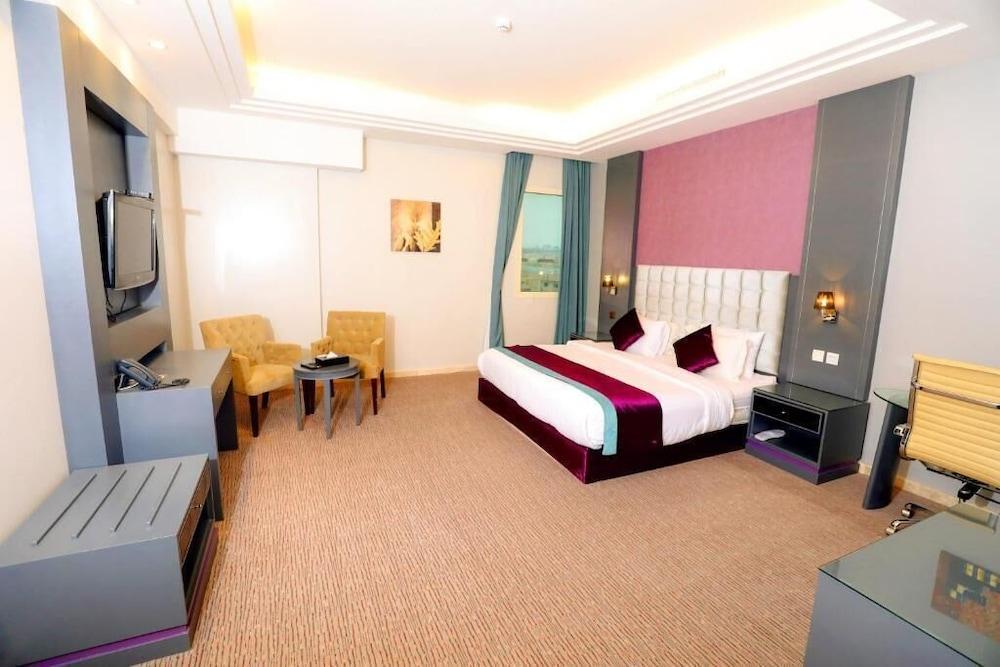 Business Inn Tahlia Hotel