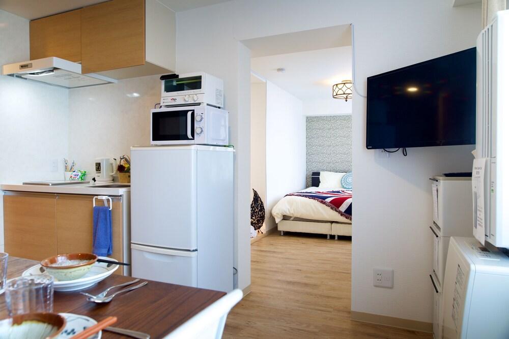 Frontier 24 Premium Suite 302